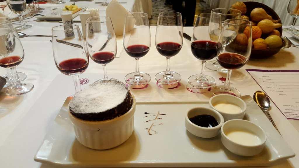 kavaklıdere prestige öküzgözü wine şarap tasting tadım tatlı sert 2004 2008 2009 2011 2012 selçuk restoran restaurant bursa tadım kulübü çikolatalı sufle chocolate soufle